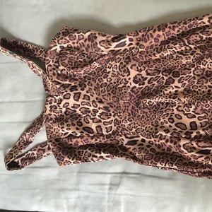 Dresses & Skirts - ❤️ Leopard Print Long body con Dress
